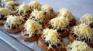 Бублики с фаршем из грибов и куриной печени