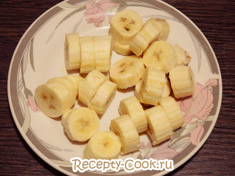 мороженое с бананом в блендере