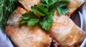 Голубцы в сметанном соусе