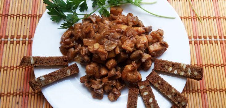 Курица с грибами в сметанно-соевом соусе