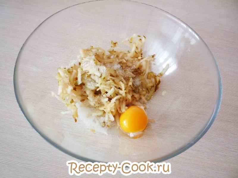 сырники с грушей на сковороде