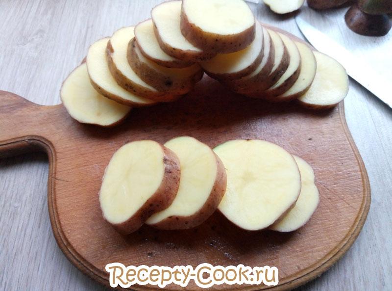картофель запеченный с брынзой и курицей
