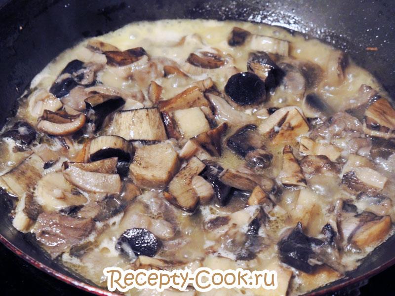 картошка с грибами в горшочках в духовке