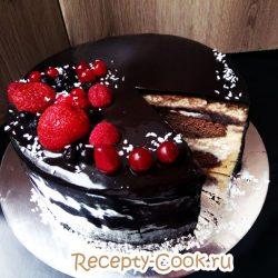 Шоколадный торт с кокосовым кремом и глянцевой глазурью