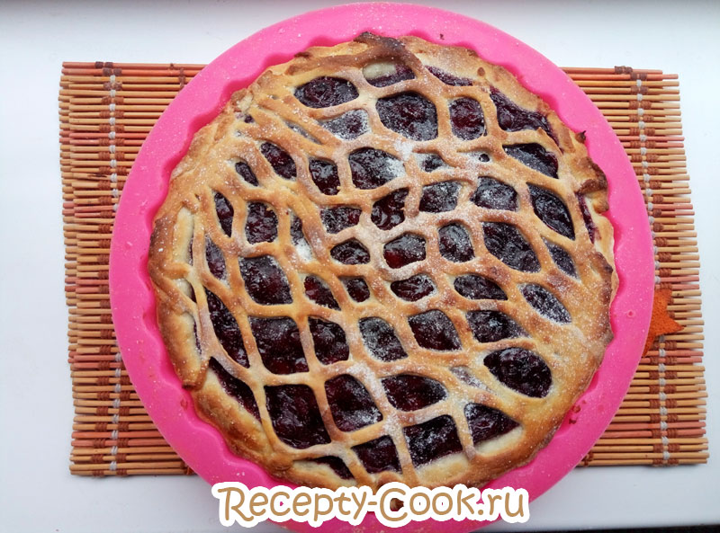 вишневый пирог с открытой начинкой
