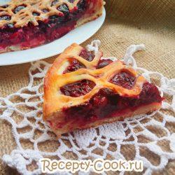 Открытый вишневый пирог
