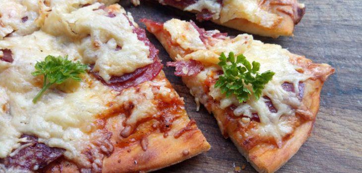 Пицца рецепт с пошагово в духовке с грибами и колбасой рецепт