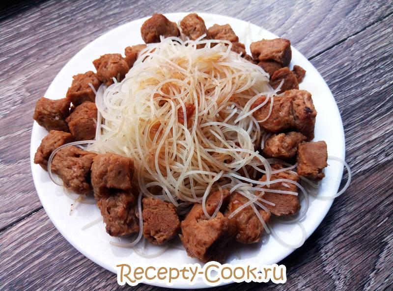 рисовая лапша с соевым мясом