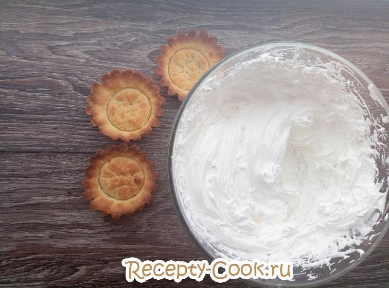 Пирожное корзиночка с масляным кремом рецепт