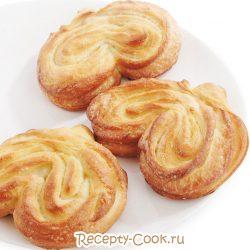 Плюшки с сахаром: как скрутить пирожок